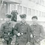 После переезда в новую казарму: В.Аникин, я и Т. Увалиев