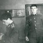 В бытовке А. Иванисов, П.Антонов, А. Куцев