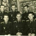 Выпускники 1949 г. Слева направо: лейтенанты в 1-ом ряду - Болотников, Антонов, Щербаков; во 2-ом ряду - Белков, Рябцов, Меркулов