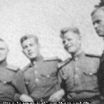 Слева направо: курсанты Курганов В., Мельников В.А., Меркулов А.К., Белков Н.А. Борисоглебск, октябрь 1947 г.