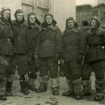 Слева направо: курсанты Белков, Рубцов, Антонов, Болотников, Румянцев, Меркулов. 2-ая лётная группа, март 1947 г.