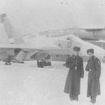 На фоне Су-100