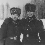 Лёша Касаткин и Мась Юрик на плацу