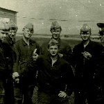 Жердевка 1977 г.: лётчик-инструктор л-т Бодров с курсантами
