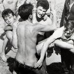"""Классный отдых на 4-м курсе и лишний раз подтверждает постулат: секса не было тогда в СССР, заменялся он ремонтом """"Жигулей""""."""