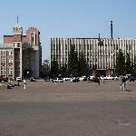 Центр. Здание городской Администрации, будний день. Снимок начала 2000-х, прислал Лётчик Лёха