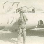 Перед первым самостоятельным вылетом. Курсант Ю. Жаров, инструктор к-н Москалёв А. С. Аэродром Таловая, 1983 год