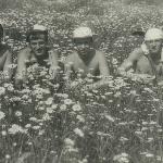Цветы в цветах. Аэродром Таловая, 1983 г.