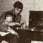 Первый урок игры в шахматы. Разве кто мог тогда знать, что скоро таких уроков уже не будет...
