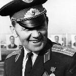 Настоящий комбат и просто замечательный человек с русской фамилией ВАЙТКАЙТИС. Вручение дипломов, 1974 год