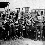 Кросс. А. Наследухов - в нижнем ряду второй слева (с портупеей, проходящей по номеру)