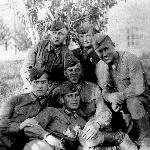 Курсанты. А. Наследухов - крайний справа