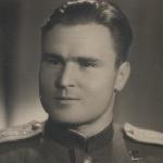 После войны - счастливое лицо Героя