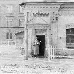 Караульное помещение (на заднем плане здание УЛО с тыла), 1953 г.