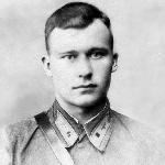 Младший лейтенант  Лапшин Н. Г.