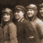 1928 год. Семенов Н.Ф. второй справа; крайний справа, вероятнее всего, Хохлов; слева, вероятно, Блинов, за ним Гращенко. Кто в центре определить не смог