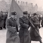 Со знаменем Сызранского ВАУЛ майор Жильцов И.В.
