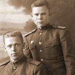 Жильцов И.В. с другом по училищу Карякиным Сергеем