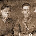 На фотографии два друга лётчика-инструктора: Наследухов А.В. и Комаров В.С., впоследствии Герой Советского Союза. Фото периода 1940-1941 гг