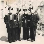 Магнитогорск, май 1958 года. Молодые лейтенанты, и уже в запасе. Слева направо: Черкасов А.,  Саврасов В., Грачев А., Женихов А.