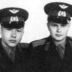 Май 1958 г., Бутурлиновка . Лейтенанты, и уже в запасе...