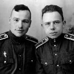 Курсанты-летчики лучшие друзья  Юрий Левшин и Владимир Лазарев