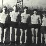 Команда училища по волейболу. Нога В.Е. второй слева