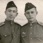 1956 г., г. Уральск. Курсанты Маслаев Владимир и Гармаш Юрий