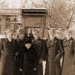 1953 год, г. Борисоглебск. У дома офицеров