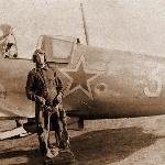 Лагерь Калмык, 29.07.1949. У своей машины, на которой летаю второй год. Кадацкий В.И.