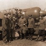 """ЛА-9 УТИ, Марков С.Н. крайний слева. Надпись на обороте рукой М.С.Н.: """"Апрель 1948 г., г. Борисоглебск, группа инструкторовов 2АЭ 1АП"""""""