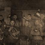 В училищном оркестре, Серафим третий слева в верхнем ряду
