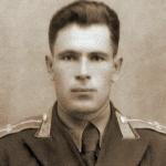Старший лейтенант Марков С.Н. Среди наград - орден Мао-Цзэ-Дуна (С.Н. говорил о нем в 60-гг., что он золотой)