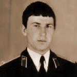 Цыков Юрий Иванович, 306 классное отделение. Умер 10 августа 2004 года. Сын погиб в Чечне 26.04.2005