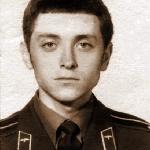 Холодков Василий Костантинович, 301 классное отделение. Майор запаса. Умер 22 октября 1999 года после продолжительной болезни. Похоронен в г. Борисоглебске