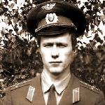 Илюхин Виктор Михайлович, 309 классное отделение. Погиб 10 апреля 1916 года при авиакатастрофе самолёта Як-52. Проживал: Россия, г. Челябинск