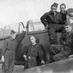 Слева направо курсанты: Приходченко, Кабанов, Мачавариани, Цветаев, (наверху механик). 1950 г.
