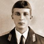 Гнеденко Виктор Михайлович, 302 классное отделение. Погиб 25.08.1980 в Афганистане.