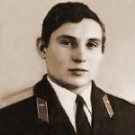 Вершков Александр Николаевич, 301 классное отделение. Умер 24 октября 2013 года.