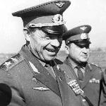 Командир Ширакского полка, выпускник 1950 г Приходченко Н.Н. с маршалом авиации Кутаховым. 1969 г.