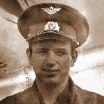 66. Лётчик-инструктор старший лейтенант Непейвода Владимир И. Аэродром Бутурлиновка, 1977 год. Персональной странички нет