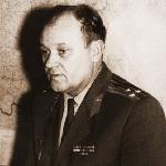 001. Ткаль  Владимир Прокофьевич, начальник Политотдела БВВАУЛ с 1970 по 1976 гг. Вручение партбилетов. Персональной странички нет