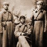 Отец Староскольский Степан Митрофанович с товарищами (кавалеристы). Приблизительно 1925 год