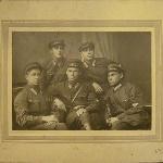 Группа инструктора Курдубова. Фотография, выставленная на продажу на аукционах http://newauction.ru/offer/foto_letchikov_borisoglebskogo_uchilishcha_vypusk_1929_g-i85295540811537.html#1 и https://meshok.net/item/60106108_
