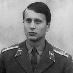 Медведев Вадим Сергеевич, 304 классное отделение. Умер 14 декабря 2017 года.