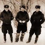 Первая зима в Харькове. Виктор Алфёров, Валька Семенюк и я.