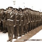 День принятия присяги. Фотографию прислал Кузнецов А.П. За Вайткайтисом Ф.А. третий - командир 7 роты майор Ершов А.И.