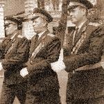 1972 год. Они в училище ответственны за всё. В центре-начальние училища полковник Никонов А.Н., слева - начальник политотдела полковник Ткаль В.П., справа - начальник штаба полковник Демьяненко Д.И.